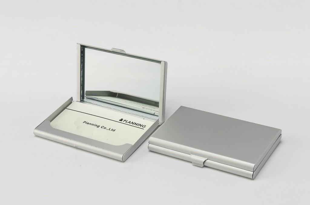 ネームカードケース・ミラー付きの商品写真・外と中のイメージ